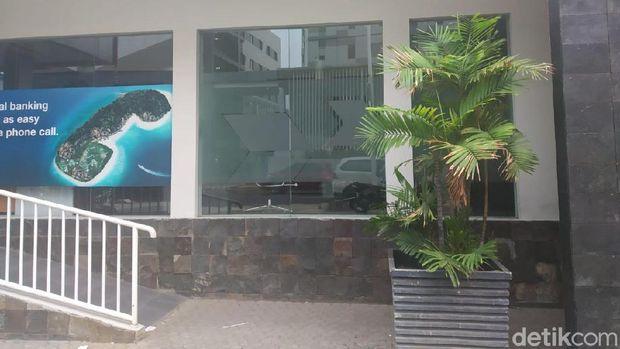 IMB Sempat Bermasalah, Segel Bank yang Viral karena Trotoar Dilepas