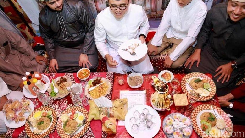 Menikmati Nasi Kebuli dan Roti Kamir Khas Timur Tengah di Arabian Street Food