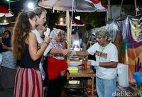 Menikmati Nasi Kebuli dan Roti Kamir Khas Timur Tengah di 'Arabian Street Food'