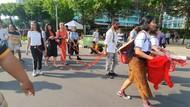 Ada Aksi Teatrikal Tolak Kekerasan Pada Perempuan di Bundaran HI