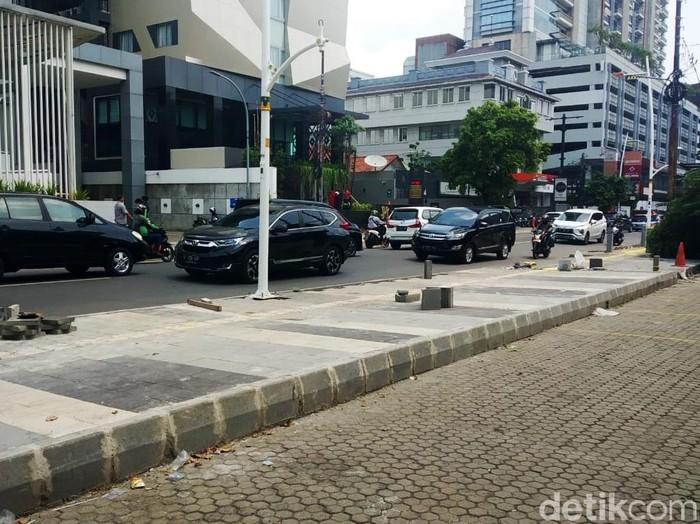 Revitalisasi trotoar di Kemang. (Rizal/detikcom)