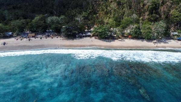 Terletak di Minahasa Utara, Sulawesi Utara, Likupang menawarkan pemandangan alam yang cantik pada pantai dan bawah lautnya. Salah satunya Pantai Pall yang membentang kurang lebih 500 meter. Istimewa/dok.Kemenparekraf