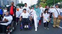 Mensos Jalan Sehat Bareng Penyandang Disabilitas
