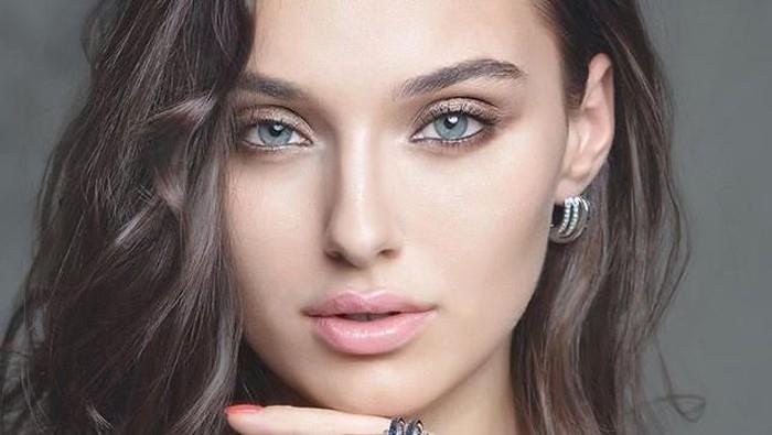 Miss Ukraine 2018 Didiskualifikasi dari Miss World. Foto: Instagram/@veronika_didusenko
