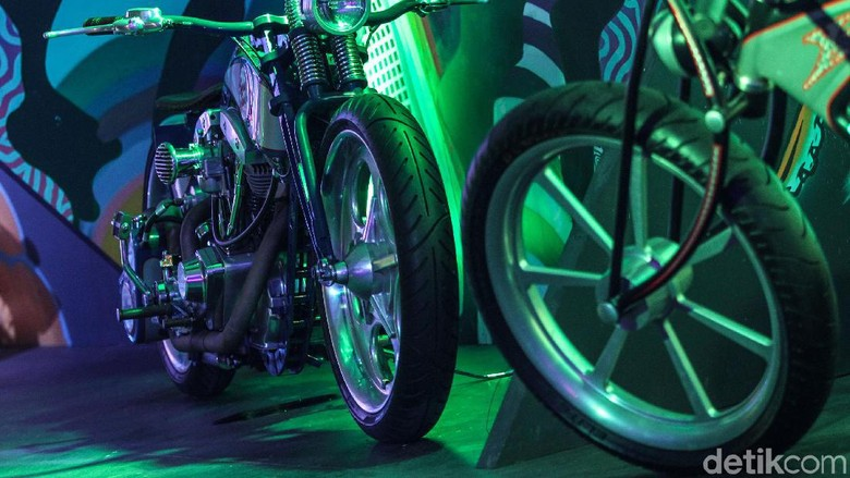 Fantasy World motor custom IIMS Motobike Expo