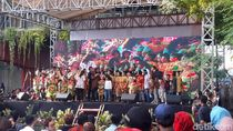 Beri Awarding, Risma ingin Kampung di Surabaya Dukung Kesuksesan Anak