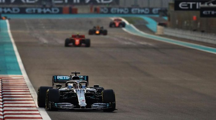 Lewis Hamilton juara GP Abu Dhabi (Foto: Mark Thompson/Getty Images)