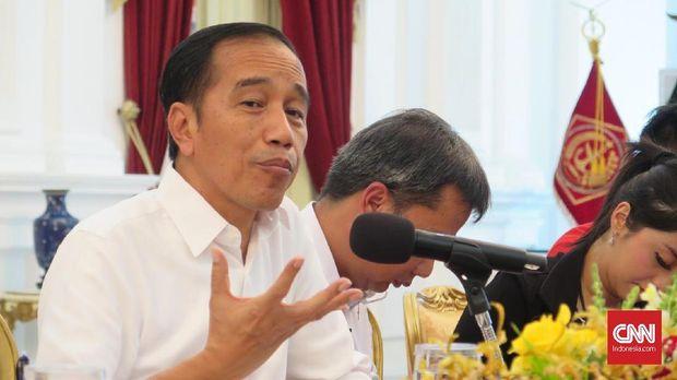Presiden Jokowi tak keberatan dengan rangkap jabatan ketum parpol dan menteri selama bisa membagi waktu.