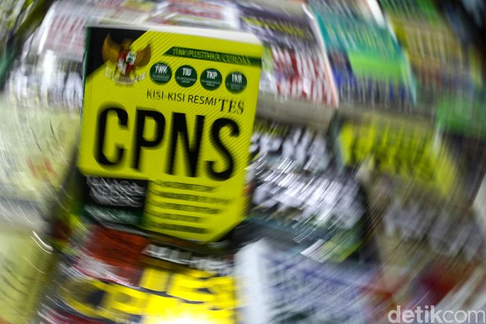 Begini penampakan salah satu buku panduan tes lolos CPNS. Usai mendaftar, pelamar yang lolos pun akan menghadapi ujian tes kemampuan dasar (TKD).