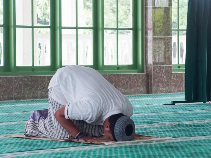 Sholat Tahiyatul Masjid dan 4 Keutamaannya /Foto: iStock