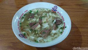 Soto Soleh Al Barokah: Slruup! Soto Daging yang Lezatnya Teruji 60 Tahun