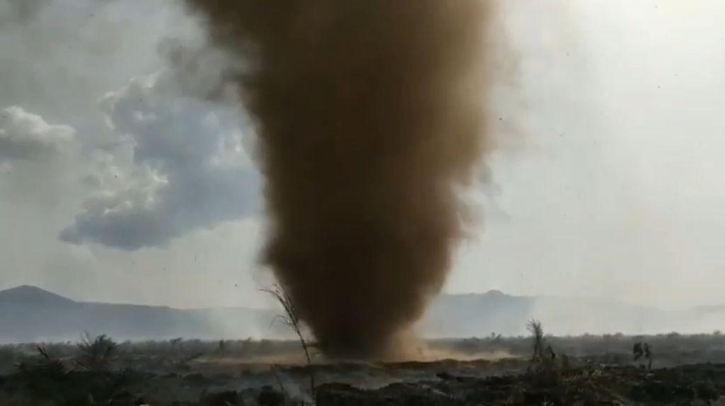 Melihat dari Dekat Tornado di Kolaka Timur