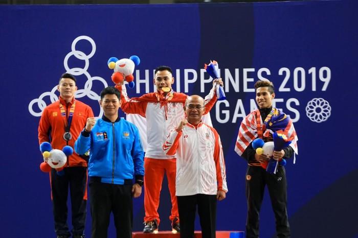 Menko PMK Muhadjir Effendy hadir di pertandingan angkat besi Sea Games Filipina. Foto: dok. Humas Kemenko PMK