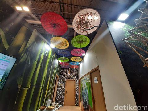 Bambu dipilih sebagai komponen instalasi karena dinilai ramah lingkungan dan mudah ditanam