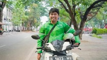 Abang Ojol Disabilitas Ini Mimpi Sekolahkan Anak hingga Universitas