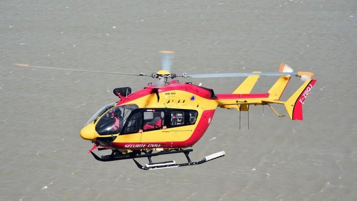 Ilustrasi helikopter penyelamat (Damien MEYER/AFP)