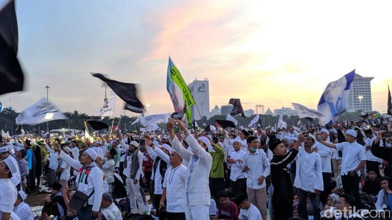 Hadiri Reuni 212, Anies Disambut Teriakan Gubernur Indonesia