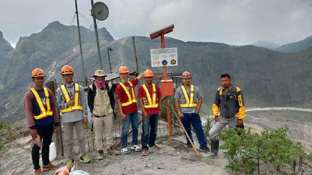 Sebelum ke Kelud, Wisatawan Bisa Intip Status Gunungnya dari Situs Ini