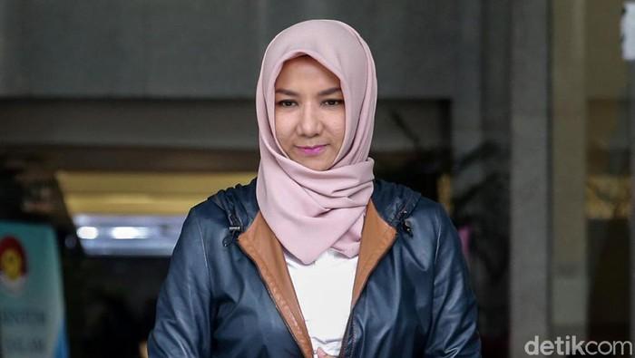 Penyidik KPK memanggil mantan Bupati Kutai Kartanegara (Kukar), Rita Widyasari. Ia diperiksa sebagai saksi dalam kasus pencucian uang dengan tersangka Khairudin.