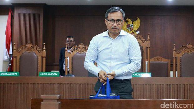 Ini Pengakuan Eks Pengacara TW Sabet Hakim Pakai Ikat Pinggang di Sidang