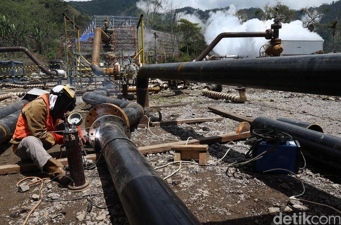 PLTP Sokoria sendiri akan menyediakan kebutuhan listrik sebesar 30 MW, pembangkit energi terbarukan akan menggantikan pembangkit diesel yang saat ini masih mendominasi kelistrikan Flores.