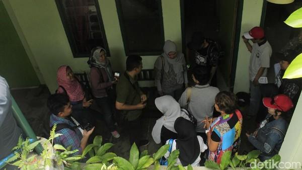 Dari 22 kamar yang tersedia di Hotel Tjimahi, 2 kamar pernah ditinggali keluarga Sarwo Edhi Prabowo, yang tak lain adalah ayah mendiang Ani Yudhoyono. Keluarga Bu Ani tinggal di sini pada tahun 1959 (Yudha Maulana/detikcom)