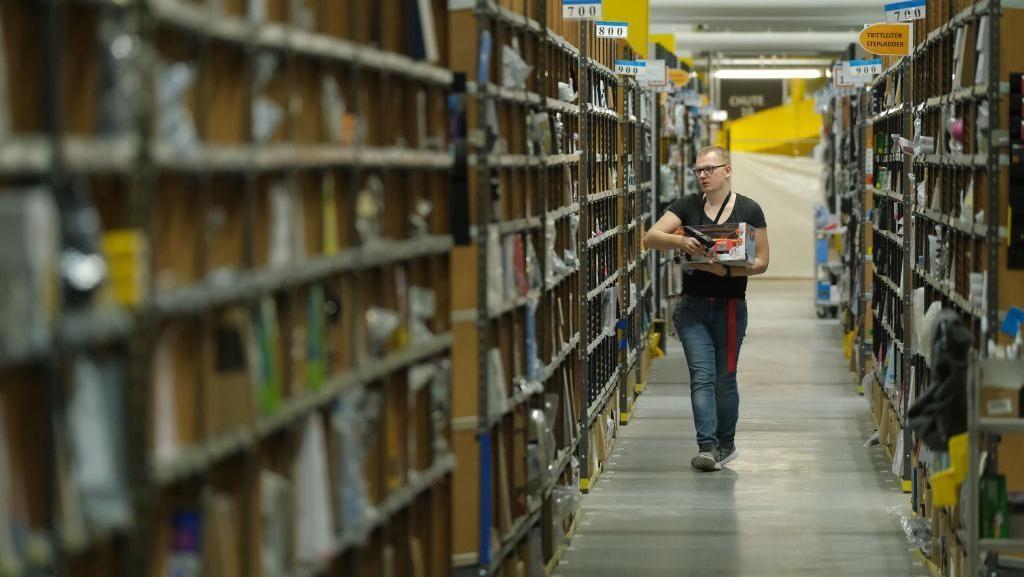 Pesanan Melonjak, Amazon Rekrut 100.000 Orang Pekerja
