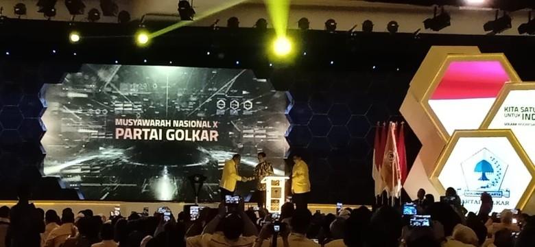 Diteriaki Kasih Bamsoet Sepeda, Jokowi: Dia Punya Tesla
