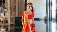 Penampilan Farah Quinn dengan Saree khas India. (Dok. Instagram/farahquinnofficial)