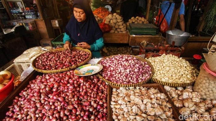 Badan Pusat Statistik mencatat angka inflasi selama November 2019 sebesar 0,14%. Kenaikan harga bawang ikut memicu inflasi sepanjang bulan ini.