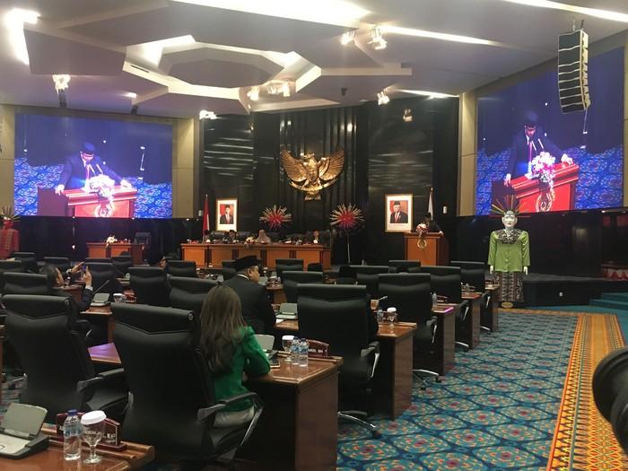 Anies Baswedan menyampaikan pidato di DPRD DKI Jakarta. (Arief Ikhsanudin/detikcom)