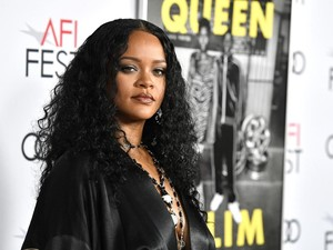 Alasan Rihanna dan Kekasihnya Miliuner Arab Putus