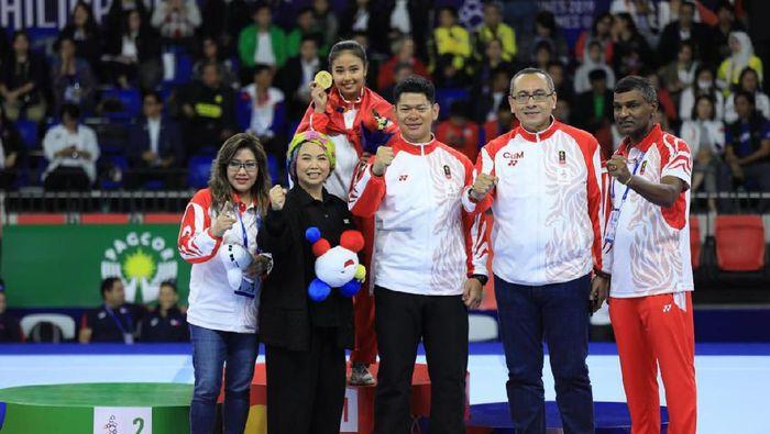 Rifda Irfanulutfi meraih emas dari senam artistik meja lompat di SEA Games 2019 Filipina. (dok. Tim HQ INA)
