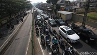 Lokasi yang diterobos para pemotor berada di kawasan Jalan Sultan Agung, Pasar Rumput, Jakarta, Selasa (3/12/2019).