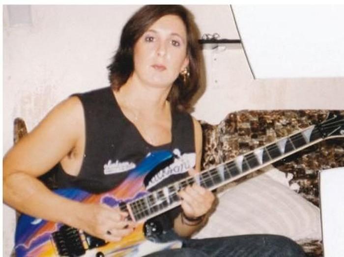 Debbie Karemer saat muda sebelum melakukan transformasi sebagai pria transgender Foto: dok. Youtube
