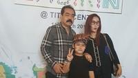 Inul Daratista dan Adam dikenal sangat sayang dengan anaknya, Ivander Damares.Dok. instagram
