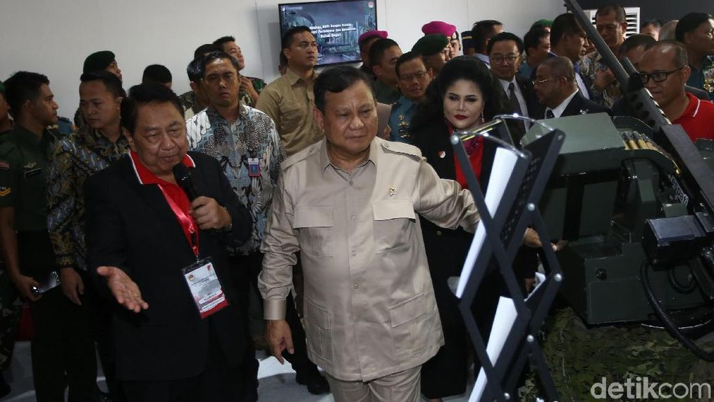 Saat Jokowi Minta Prabowo Tawar Harga Alat Perang