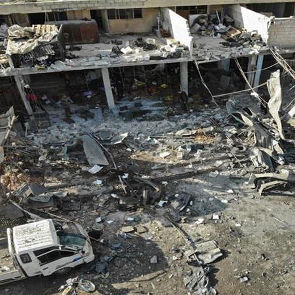 Serangan Udara Tewaskan 20 Orang di Suriah