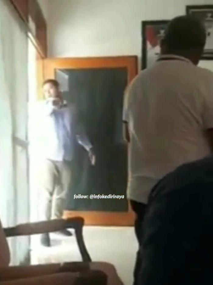 Saat Wali Kota Kediri mengusir utusan KONI Jatim (Foto: Tangkapan layar video)