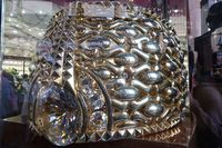 Cincin emas terbesar dunia