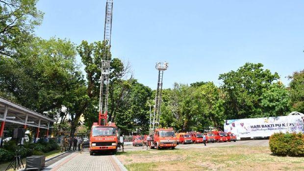 Pemprov Sulsel menerima bantuan hibah 27 kendaraan pemadam kebakaran (damkar) dan 11 ambulans dari Jepang.