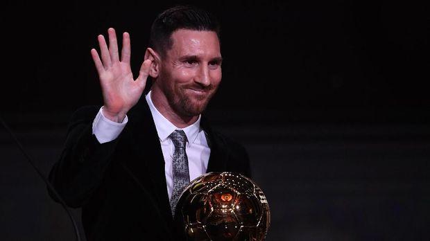 Lionel Messi saat meraih Ballon d'Or keenam. (