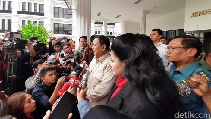 Foto: Menhan Prabowo Subianto di gedung Kemhan. (Yoki-detikcom)