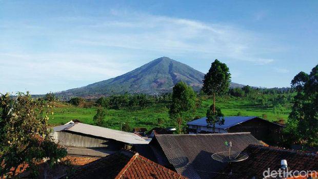 Gunung Cikuray Garut