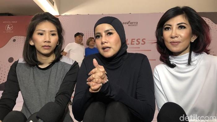 Olla Ramlan merilis busana olahraga khusus hijabers. Foto: Gresnia Arela/Wolipop