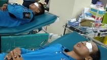 Mata Kena Sembur Cairan Tawon Vespa, 2 Petugas PMK Surabaya Dilarikan ke RS