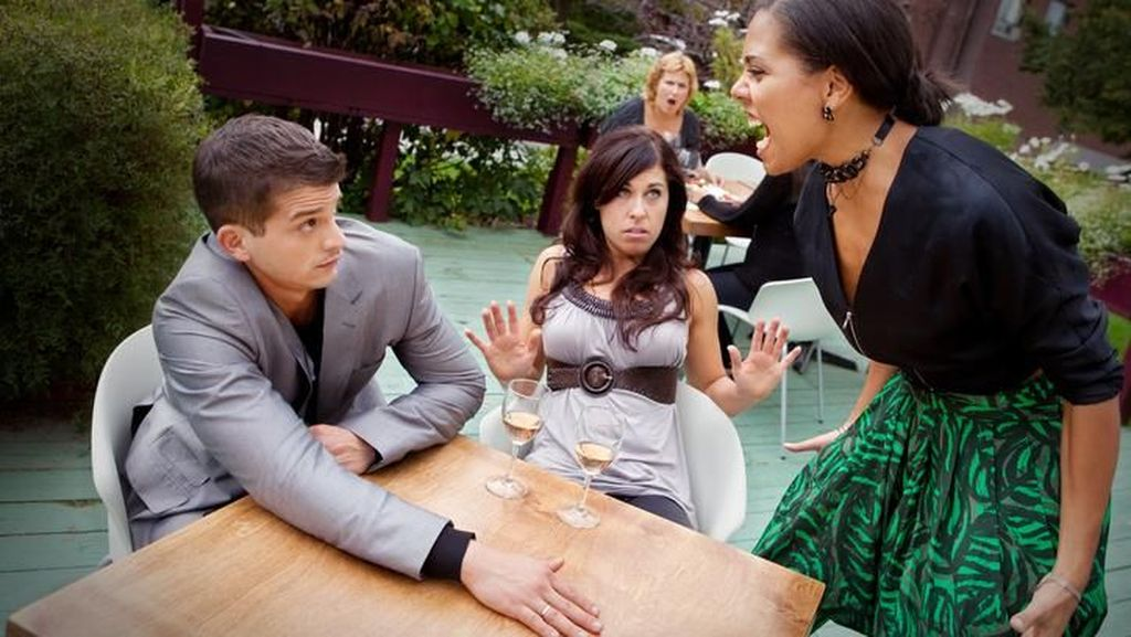 Saran Psikolog Agar Bisa Melabrak Pelakor Tanpa Drama