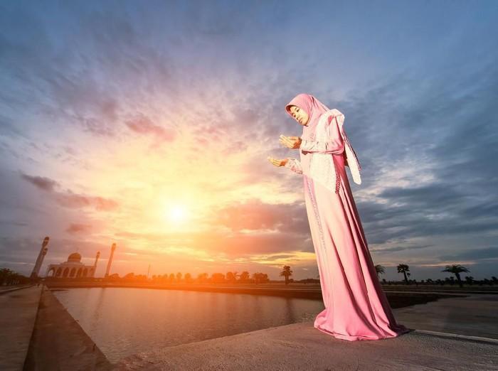 8 Doa Permudah Urusan, Bisa Diamalkan Setiap Hari/Foto: istock