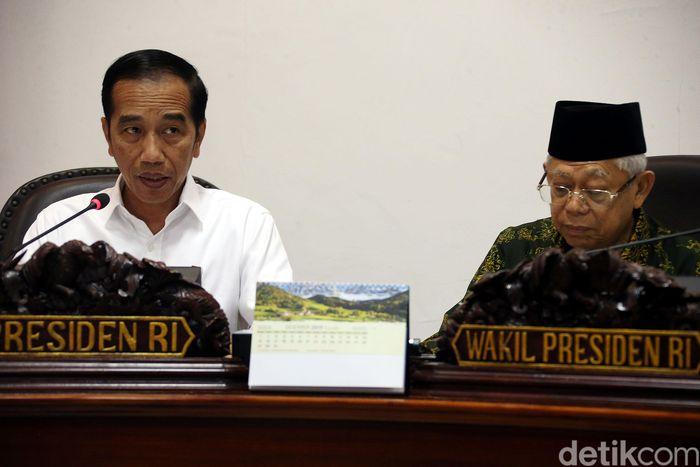 Presiden Jokowi saat memimpin ratas bersama Wapres Maruf Amin di kantor Presiden, Jakarta, Rabu (4/12/2019).