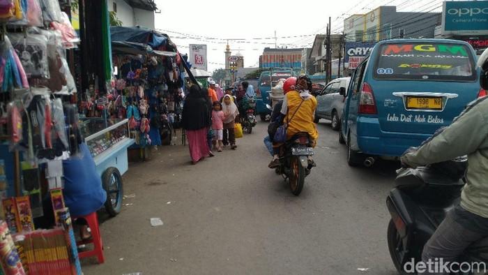 Foto: PKL Pasar Citeureup (Sachril-detikcom)